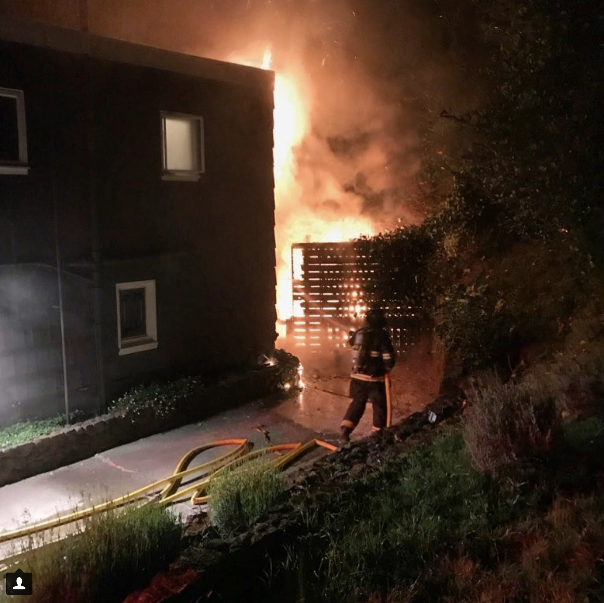 Central Marin Firefighters Quickly Control Overnight Structure Fire